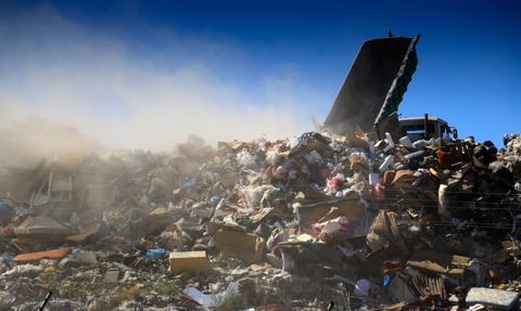 KO: do Polski trafiają niebezpieczne odpady z zagranicy