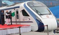 Indie: Najszybszy w kraju pociąg zepsuł się po zderzeniu z krową