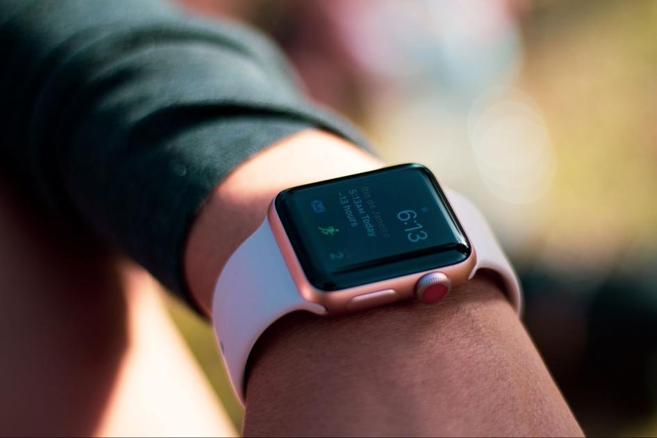 Smartwatch: płatności zbliżeniowe. Garmin Pay, Apple Pay, Wear OS