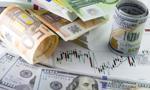 Kurs euro bliżej 4,50 zł. Dolar najtańszy od lutego