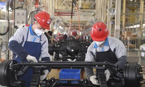 Chiński PMI. Fatalne dane o aktywności przemysłu i usług