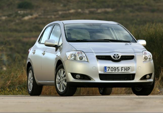 Toyota auris (pierwsza generacja)