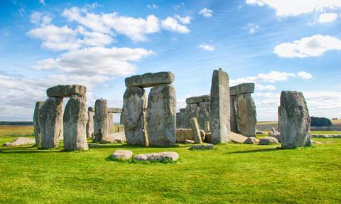 Stonehenge i Edynburg mogą zostać skreślone z listy UNESCO