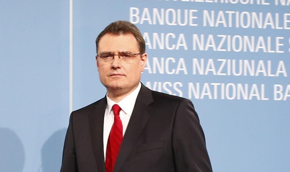 Szef Banku Szwajcarii tłumaczy się z decyzji