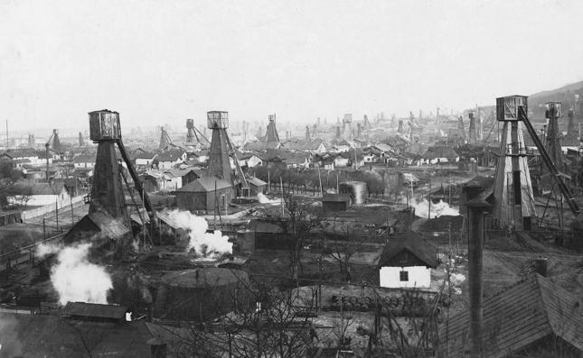 Galicyjskie złoża eksploatowano jeszcze długo po śmierci Łukasiewicza. Na zdjęciu Borysław w 1918 roku. Po I WŚ miasto znalazło się w woj. lwowskim. W 1928 roku z pobliskiego zagłębia wydobywano 84% ówczesnego polskiego wydobycia ropy