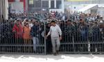 Policja starła się z migrantami próbującymi wydostać się z obozu w Bośni