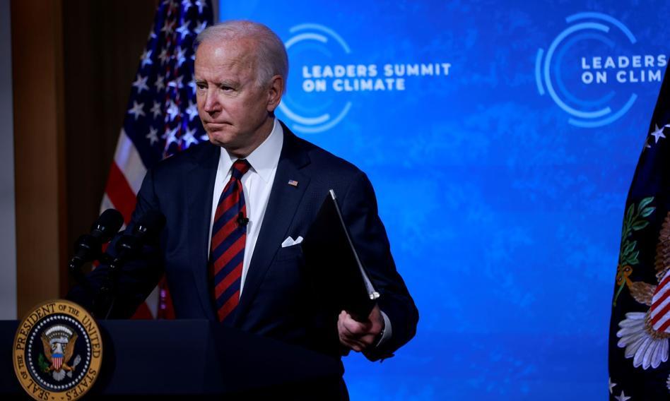 Biden zadeklarował redukcję emisji gazów cieplarnianych o ponad połowę