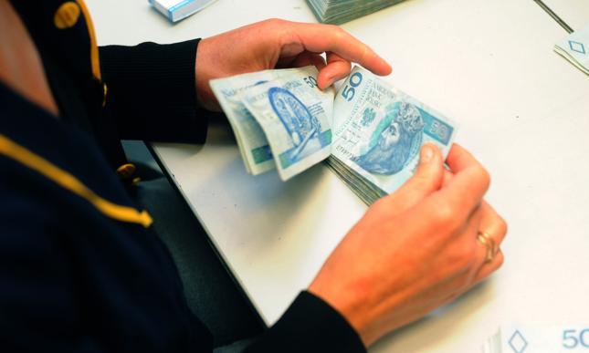Błyskawiczne pożyczki online w SuperCredit. Sprawdź ofertę!