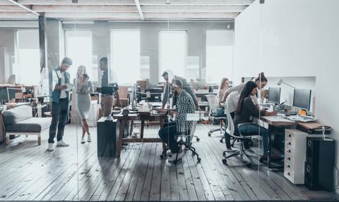 Pandemia zmieniła rynek powierzchni biurowych, ale go nie załamała
