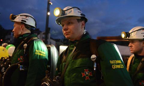 Praca ratowników górniczych w szpitalach covidowych ma być wliczana do górniczej emerytury