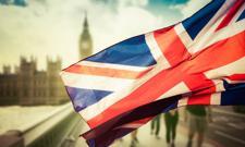 Zaszczepieni w UE i USA zwolnieni z kwarantanny w Anglii