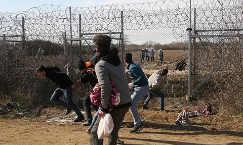Parlament Europejski: Unia musi pomóc Grecji na granicy z Turcją