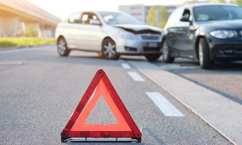 Młodzi częściej powodują tragiczne wypadki drogowe? Sprawdzamy
