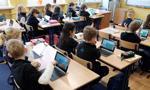 Rząd przyjął uchwałę ws. zapewnienia wszystkim szkołom bezpłatnego internetu
