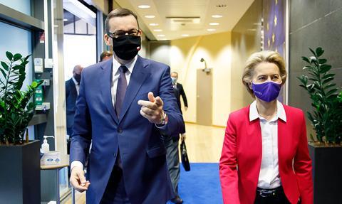 Morawiecki: Chcemy uniknąć kolejnego lockdownu