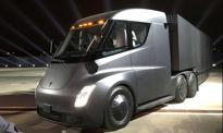 Tesla pokazała dwa nowe samochody: ciężarówkę i sportowego roadstera