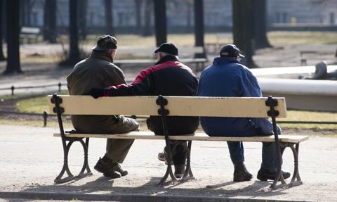 Liczba beneficjentów ZUS-u stale rośnie. Ile kosztują nas emeryci i renciści?