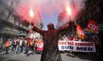 Francja: po protestach w Paryżu spokój, ale nie do końca