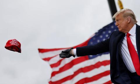 Trump: Odejdę z Białego Domu, jeśli Kolegium Elektorów uzna zwycięstwo Bidena