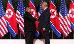 Donald Trump i Kim Dzong Un rozmawiają w Singapurze