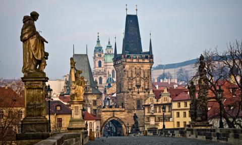 W Czechach zakaz wychodzenia po godz. 21.00 i zamknięte sklepy w niedzielę