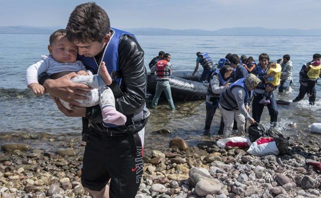 Imigranci z Afganistanu przybyli na grecką wyspę Lesbos