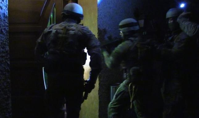CBŚP rozbiło gang sutenerów; osiem osób zatrzymanych