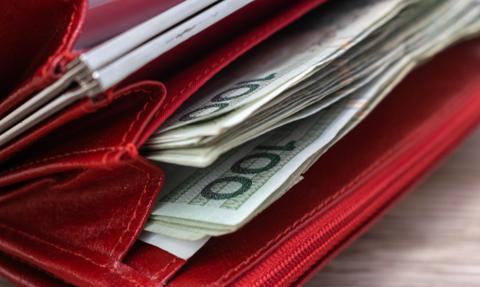 Mniej Polaków obawia się, że nie zdoła regulować swoich zobowiązań finansowych
