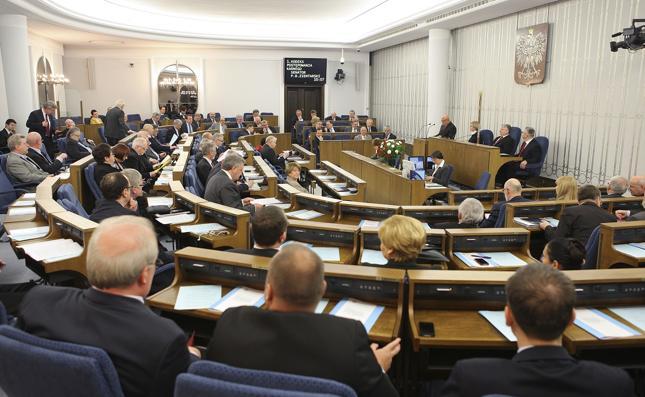 Senat za podniesieniem do 6,6 tys. zł kwoty wolnej od podatku dla najmniej zarabiających