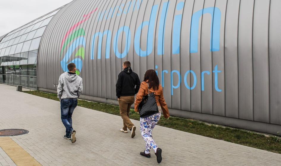 Lotnisko w Modlinie w lutym br. obsłużyło blisko 229 tys. pasażerów