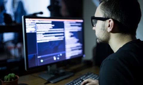 """""""Programista 15k""""? Średnio 12,3 tys. dla specjalistów ze średnim doświadczeniem"""