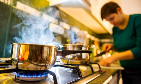Wysokie ceny gazu. PiS proponuje możliwość rozłożenia w czasie podwyżek taryf