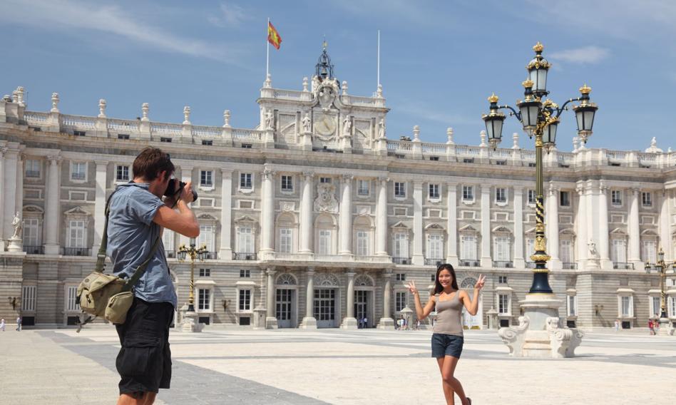 Nowe obostrzenia w Madrycie w celu powstrzymania pandemii