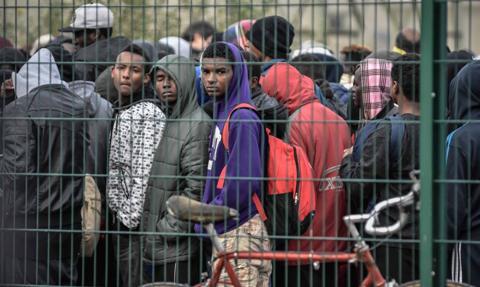 Zlikwidowano duży obóz migrantów w Calais