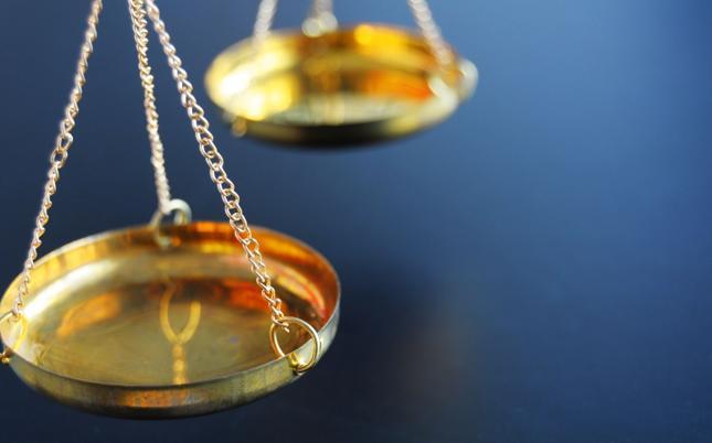 Konsumenci wygrywają z ubezpieczycielami spory o zwrot opłat likwidacyjnych