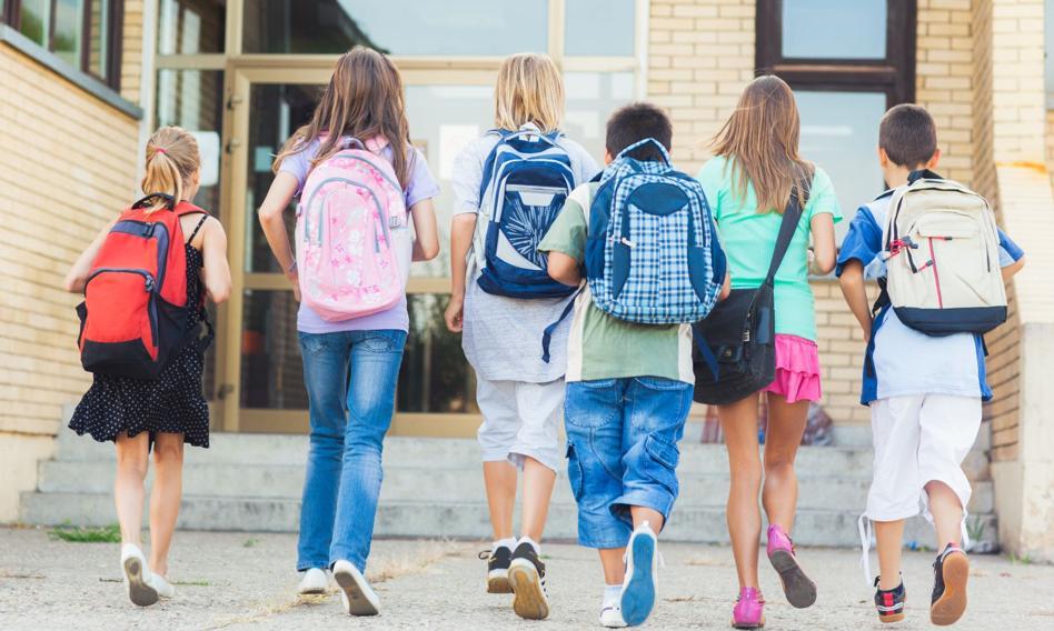 Uczniowie zakończą rok szkolny w trybie stacjonarnym