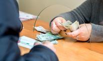 Uratowała oszczędności 86-latka. Pracownica banku udaremniła wyłudzenie metodą na wnuczka
