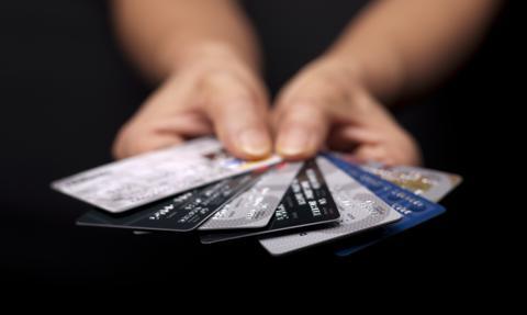 Polacy pokochali karty płatnicze. Padły kolejne rekordy