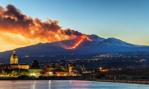 Etna po raz szesnasty od połowy lutego wznowiła aktywność