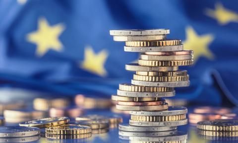 Kurs euro blisko 11-letniego szczytu