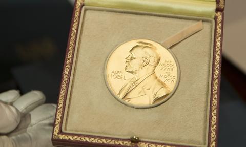 Do Pokojowej Nagrody Nobla zgłoszono 329 kandydatur. Trzecia najwyższa liczba nominacji w historii