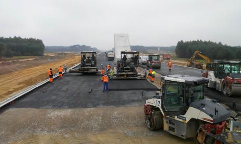 GDDKiA: koronawirus nie zatrzymuje budowy dróg