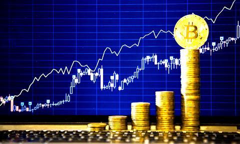 Bitcoin powyżej 18 000 dolarów. Rekord w zasięgu