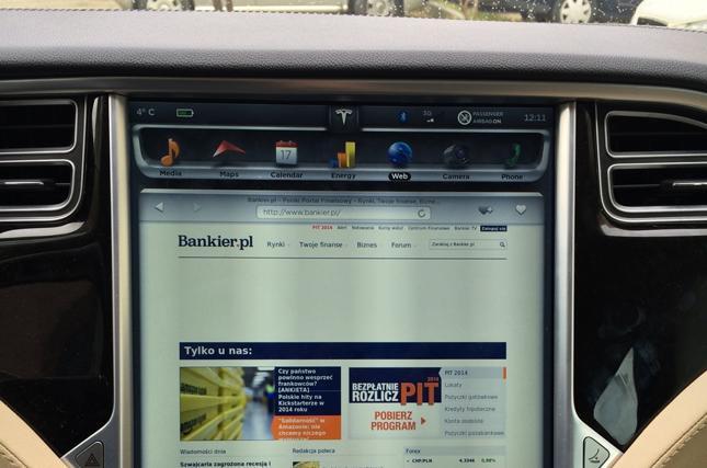 Kokpit samochodu Tesla S
