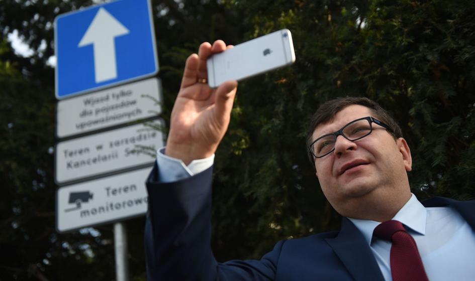 """Kolejny akt oskarżenia przeciw Zbigniewowi Stonodze. """"Oszustwa, wyłudzenia VAT i pranie pieniędzy"""""""