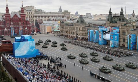 Defilada w Moskwie. Putin: Rosja będzie twardo bronić swoich interesów narodowych