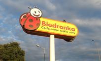 """Wyższe pensje w Biedronce jednak nie dla wszystkich. """"Warunek braku absencji"""""""
