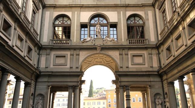 Dyrektor Galerii Uffizi we Florencji zapłacił karę