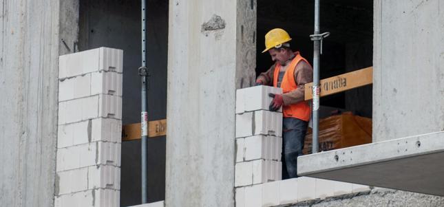 Deloitte: popyt na materiały budowlane w 2016 r. spadnie