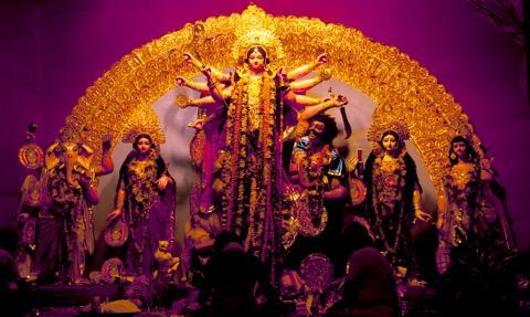 Hindusi świętują Durgapudźę w internecie